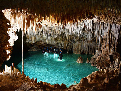 Live a mysterious adventure in an underground river.